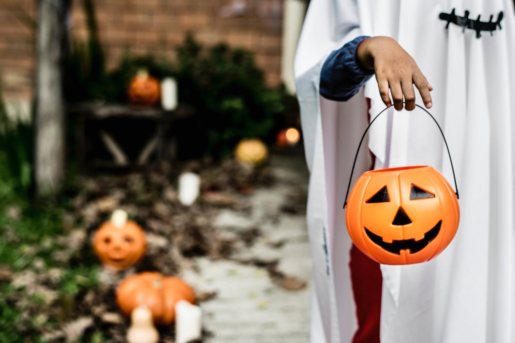 Best trick or treating neighborhoods in Spring Branch Houston